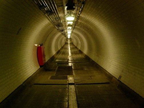 1200px-London,_Woolwich_foot_tunnel_08